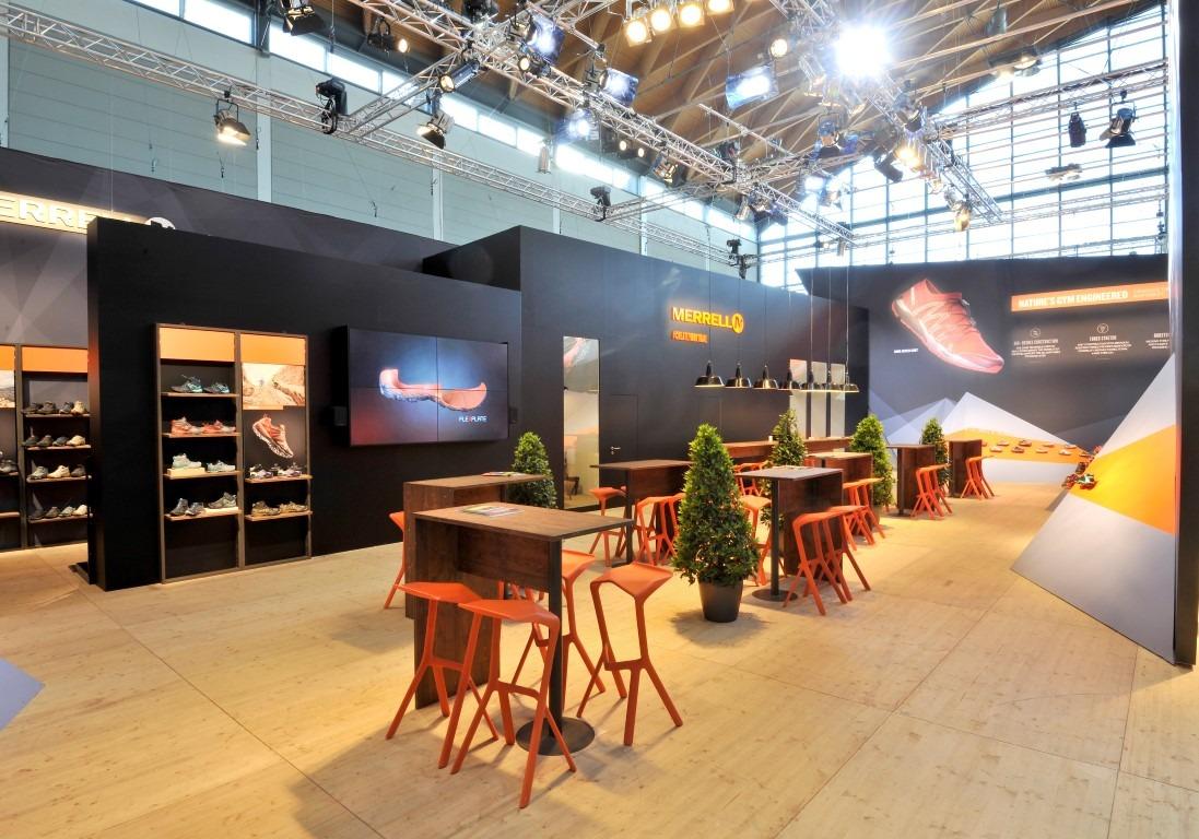 Ralf Wapler - backstage creative lightdesign GmbH Lichtdesign für Merrell auf der Outdoor Freidrichshafen